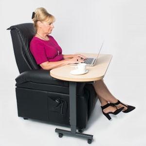 Beistelltisch für bequemes Arbeiten in Ihrem Sessel.