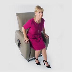 Revilax Aufstehhilfe. Mit unserer Aufstehhilfe kommen Sie ganz einfach aus Ihrem Sessel oder können sich ganz bequem hinsetzen.